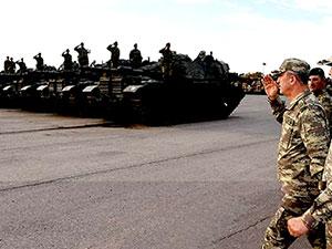 Genelkurmay Başkanı Akar, Suriye sınırındaki birlikleri denetledi