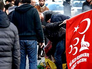Şişli'de HDP bayraklarını yaktılar