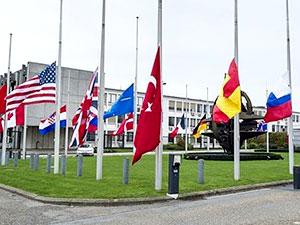 NATO'da bayraklar yarıya indirilecek