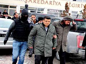 Muradiye Belediyesi Eş Başkanı Tunç gözaltına alındı