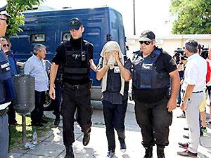 Yunanistan'a kaçan askerlerle ilgili gözaltı süresi uzatıldı
