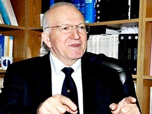 Anayasa profesörü Kaboğlu da KHK ile ihraç edildi