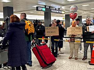 Muhammed Ali'nin oğlu havaalanında alıkonuldu