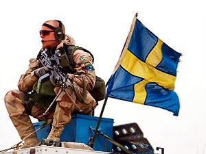 İsveç zorunlu askerliği geri getiriyor