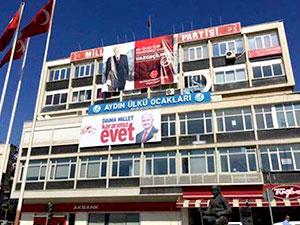 MHP binasına Binali Yıldırım pankartı