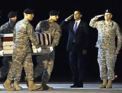 Obama, asker gibi selama durdu!