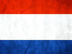 Hollanda'da 1,5 metre kuralına uymayan 400 kişi gözaltına alındı