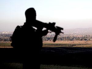 İsrail Suriye hükümet birliklerine saldırı düzenledi