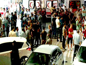 İstanbul Emniyet Müdürlüğü'nde polise saldırı