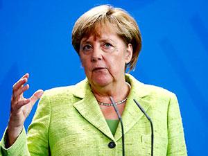 Merkel: Bizim ülkemizde hiçbir gazeteci tutuklanmıyor