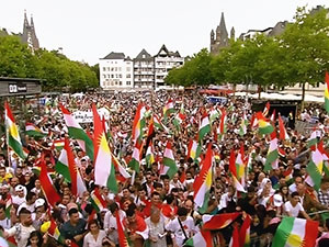 Köln'deki bağımsızlık festivaline büyük katılım