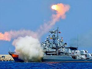 Rusya IŞİD'i denizden cruise füzeleri ile vurdu