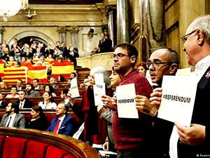 Katalonya Parlamentosu, referandumu onayladı