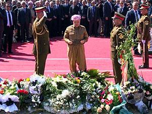 Barzani'den Mam Celal'in kabrine ziyaret