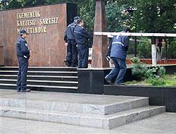 Polis memuru Atatürk Anıtı önünde intihar etti