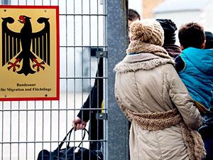 Almanya iltica yasasını sertleştiriyor