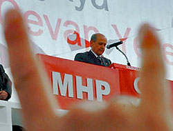MHP Kurultayı gergin başladı!