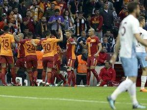 Galatasaray zirveyi bırakmadı