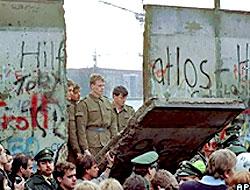 Berlin Duvarı'nın yıkılışı kutlanıyor