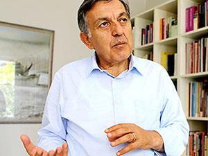 Bekir Ağırdır: HDP kritik kavşakta