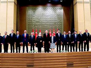 Erdoğan yeni kabinesini açıkladı