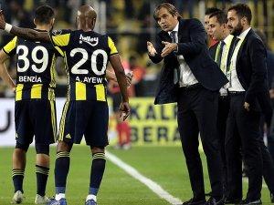 Fenerbahçe'de teknik direktör Cocu görevden alındı