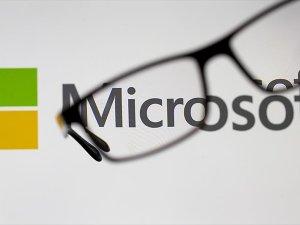 Microsoft, Apple'ın ünvanını geri aldı
