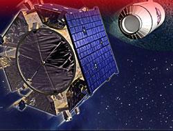 NASA: Ay'da bol miktarda su var