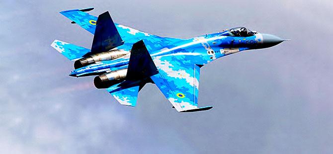 Rusya'da iki savaş uçağı havada çarpıştı