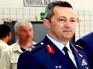 Savaş uçaklarının harekât sorumlusu general tutuklandı