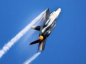 Japonya'da F-35  savaş uçağı radardan kayboldu