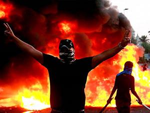 Irak'ta protestolar: İbadi ve Sadr'dan erken seçim çağrısı