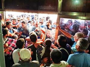 Diyarbakır'da HDP'lilere polis ablukası ve müdahale