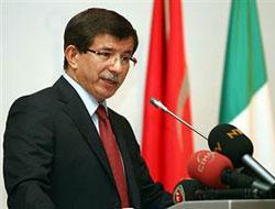 Davutoğlu İran'ı ikna peşinde!