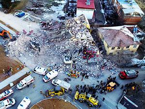 Elazığ depremi: Hayatını kaybedenlerin sayısı 31'e yükseldi
