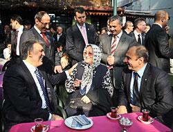 Cumhurbaşkanı halkla çay içti!