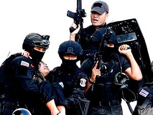 Tayland'da 26 kişiyi öldüren asker vurularak öldürüldü