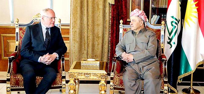 Mesud Barzani: Kürt halkı belirsizliğe terk edilmemeli