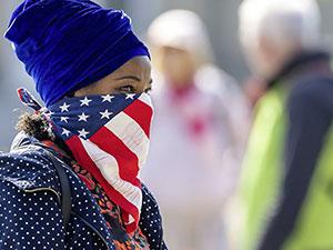ABD'den çalışma vizeleri ve yeşil kartlara yıl sonuna kadar yasak