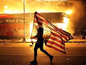 ABD'de protestocular sokağa çıkma yasağına uymadı