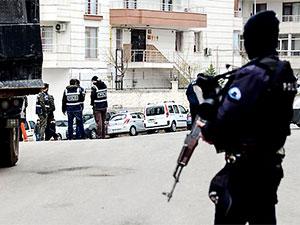 Diyarbakır ve Antep'te polis baskınları: 55 kişi gözaltına alındı