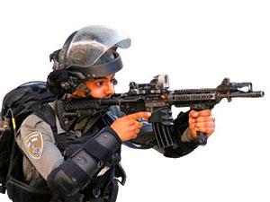 İsrail'den baskın: İki Hamaslı vekil gözaltına alındı