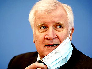 Almanya İçişleri Bakanı koronavirüse yakalandı