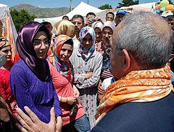 Kılıçdaroğlu türbanlı kızla tartıştı
