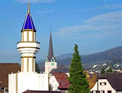 Özgürlükler ülkesinde minareye tahammül yok