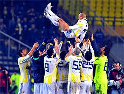 Carlos tamam Fenerbahçe devam