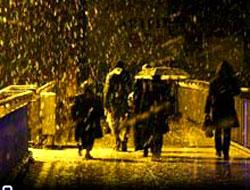 İstanbul'a mevsimin ilk karı yağdı