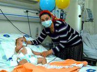 Türkiye'de ilk: Bebeğe böbrek nakli