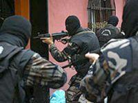 1000 polis Adana'yı sabaha kadar aradı