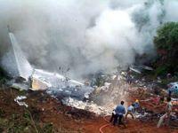 Hindistan'da uçak düştü: 158 ölü